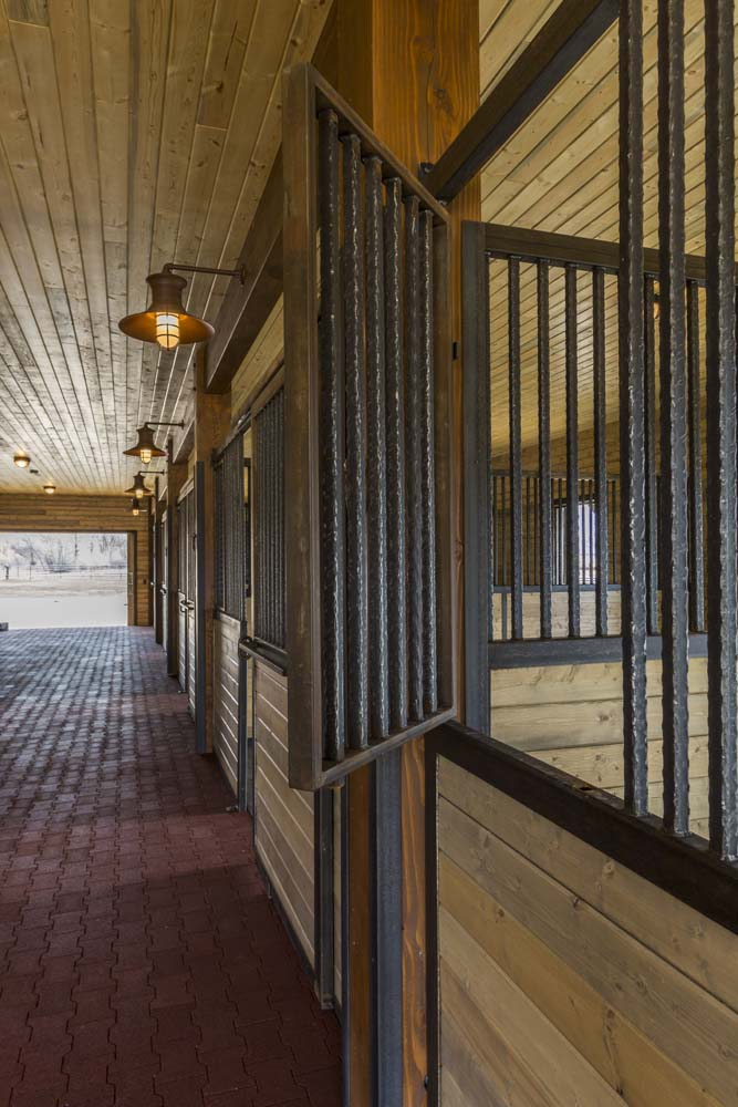 wagner-design-studio-equestrian-ranch-barn-12