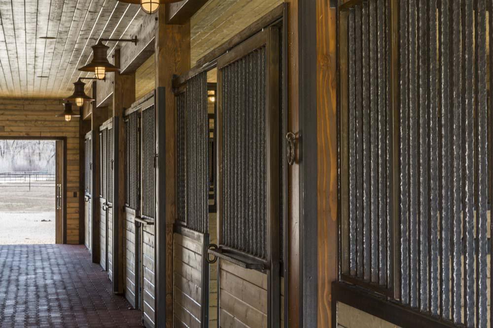 wagner-design-studio-equestrian-ranch-barn-13