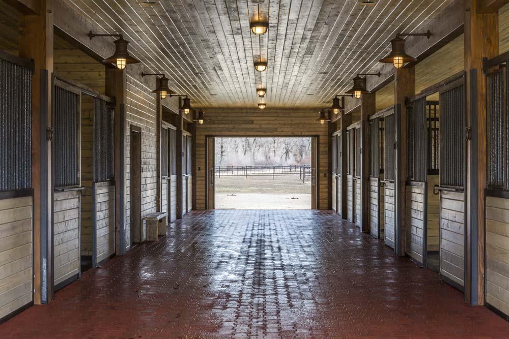 wagner-design-studio-equestrian-ranch-barn-19