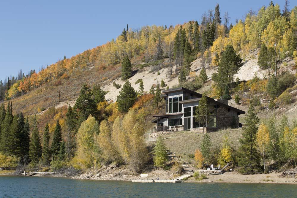 wagner-design-studio-lakeside-retreat-residence-02