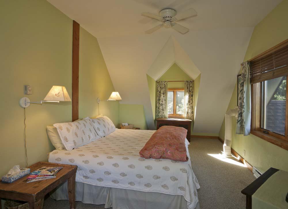 wagner-design-studio-mountain-cabin-teepee-residence-10
