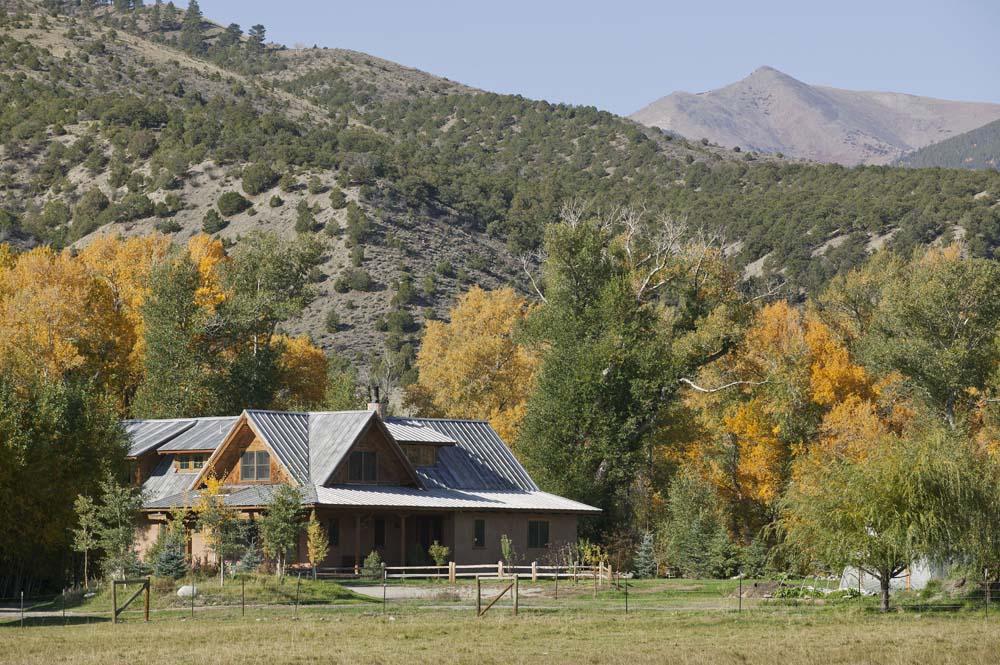wagner-design-studio-mountain-cabin-teepee-residence-12